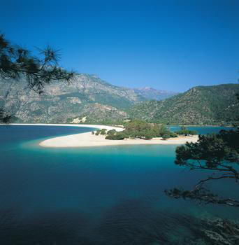 Clear blue water at Oludeniz